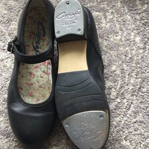 Capezio TAP shoes in size 8.5